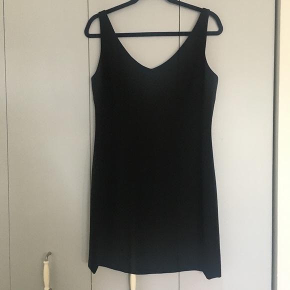 Tristan&Iseut black classic dress - Size 10